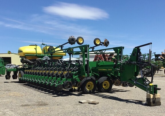 2020 John Deere DB66 Planter