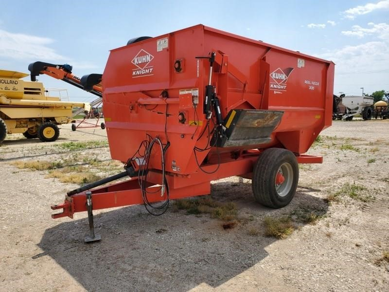 2011 Kuhn Knight 3136 Grinders and Mixer