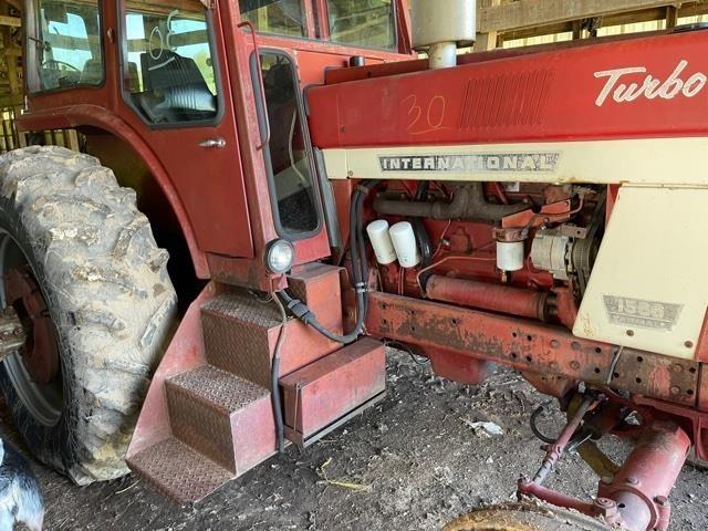 1975 International Harvester 1566 Tractor