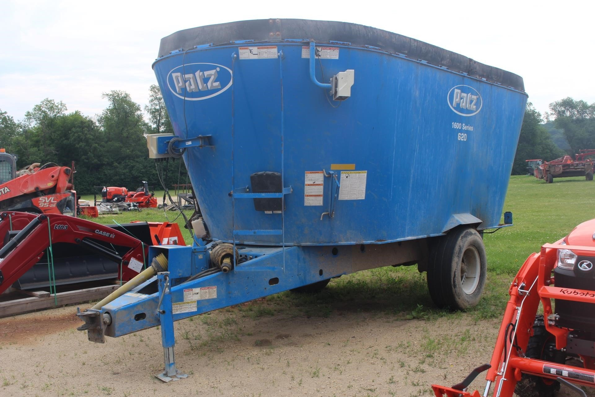 2016 Patz 1600 SERIES 620 Feed Wagon