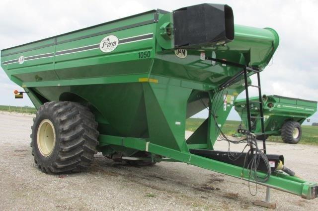 2004 J&M 1050 Grain Cart