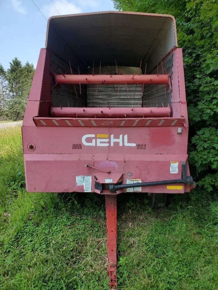 1995 Gehl 980 Forage Wagon
