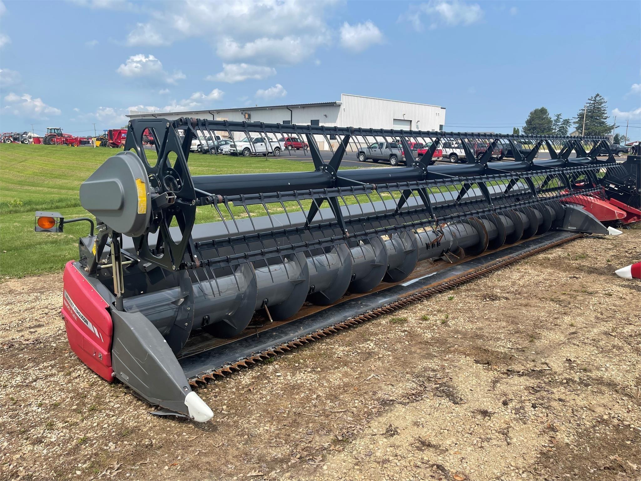 2013 Massey Ferguson 8200 Platform