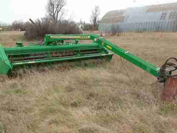 1996 John Deere 1600A Pull-Type Windrowers and Swather