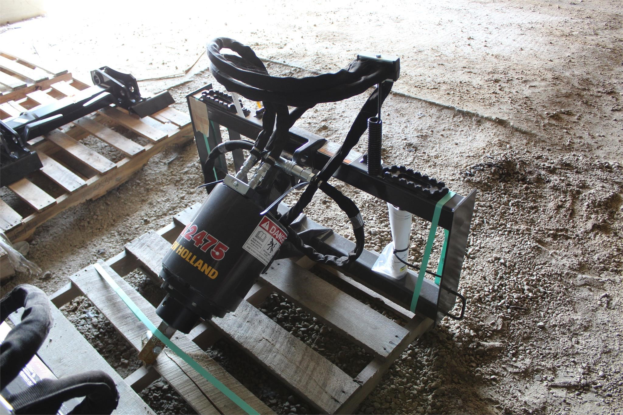 New Holland X2475 Augers and Conveyor