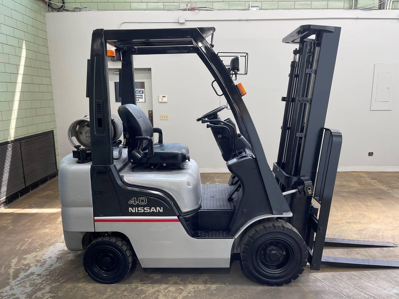 2006 Nissan MPL01A20LV Forklift