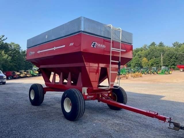 2021 E-Z Trail 500 Gravity Wagon