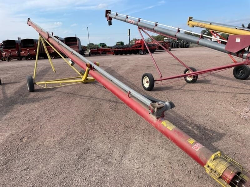 1995 Farm King 8x51 Augers and Conveyor