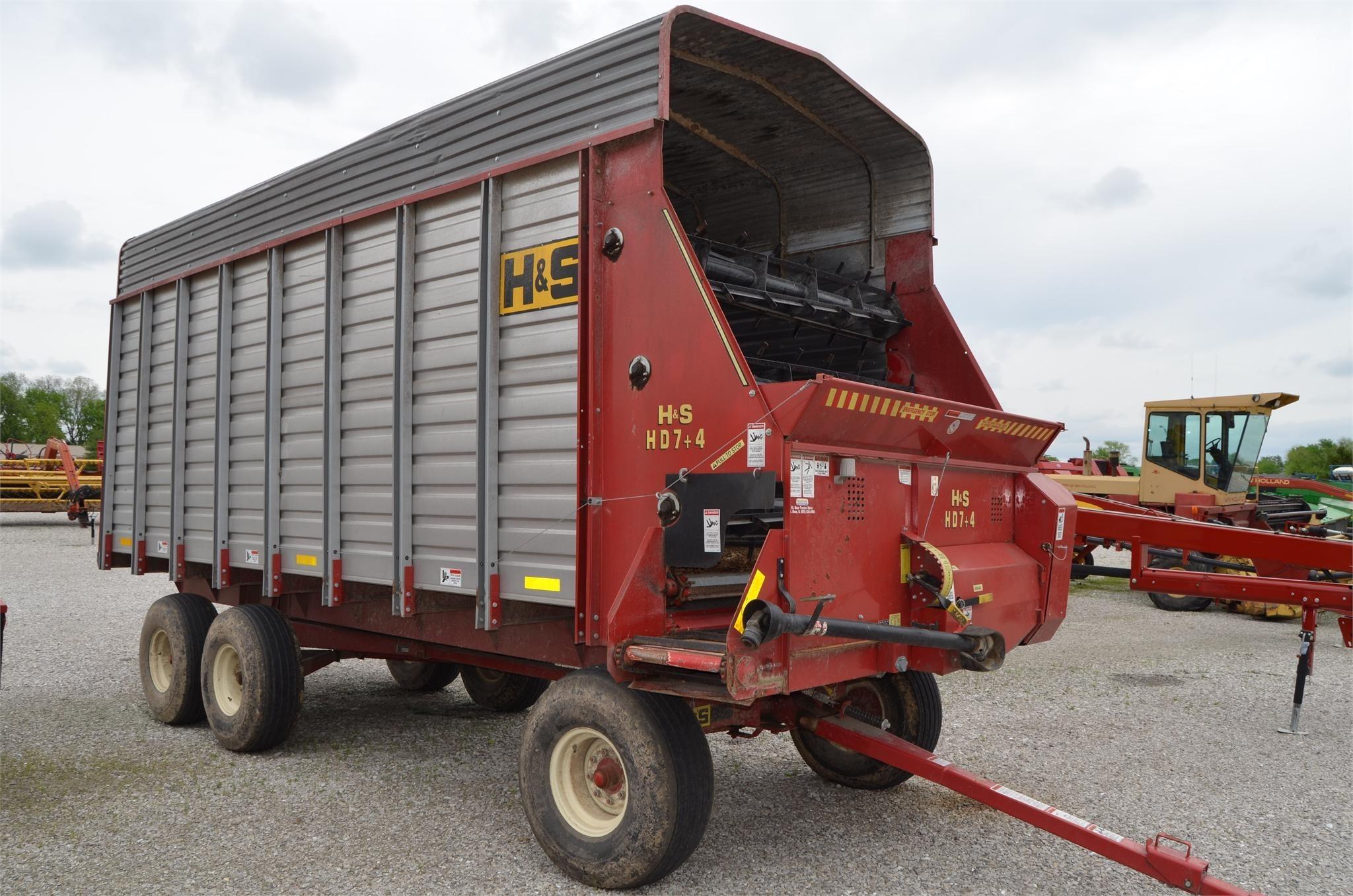 H & S FBXC7419 Forage Wagon
