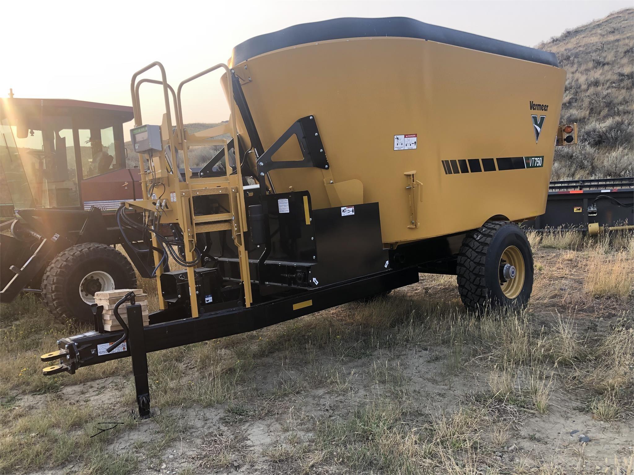 2022 Vermeer VT750 Feed Wagon