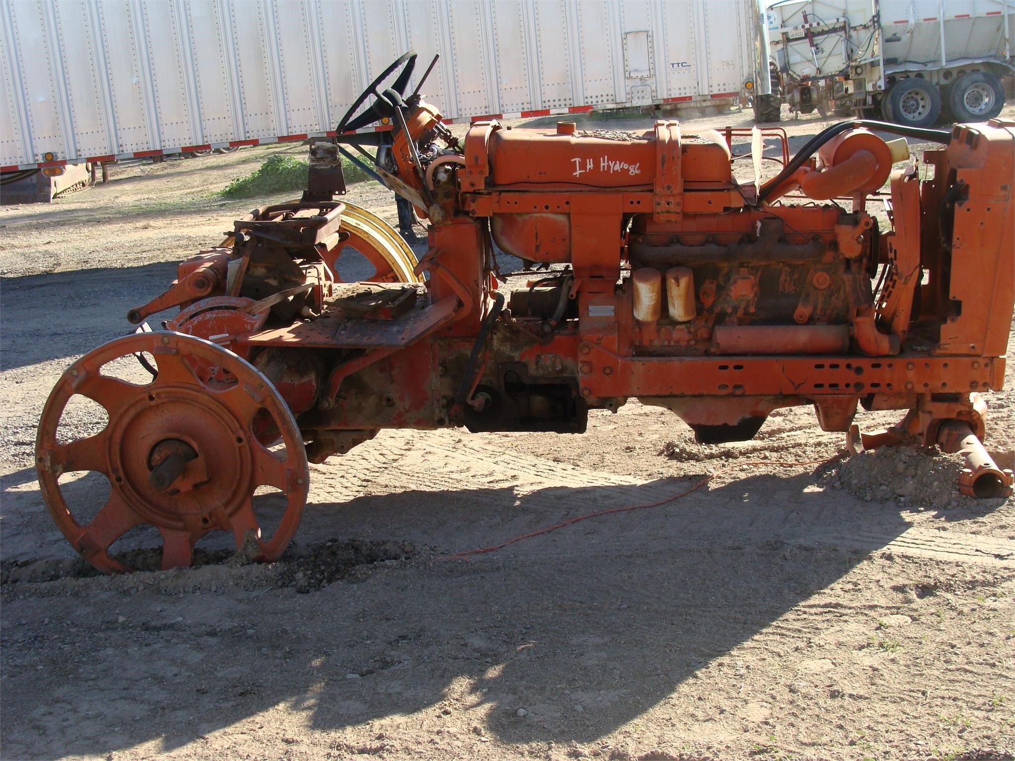 International 86 HYDRO Tractor