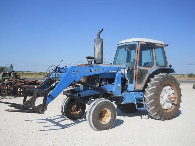 Ford TW-15 Tractor