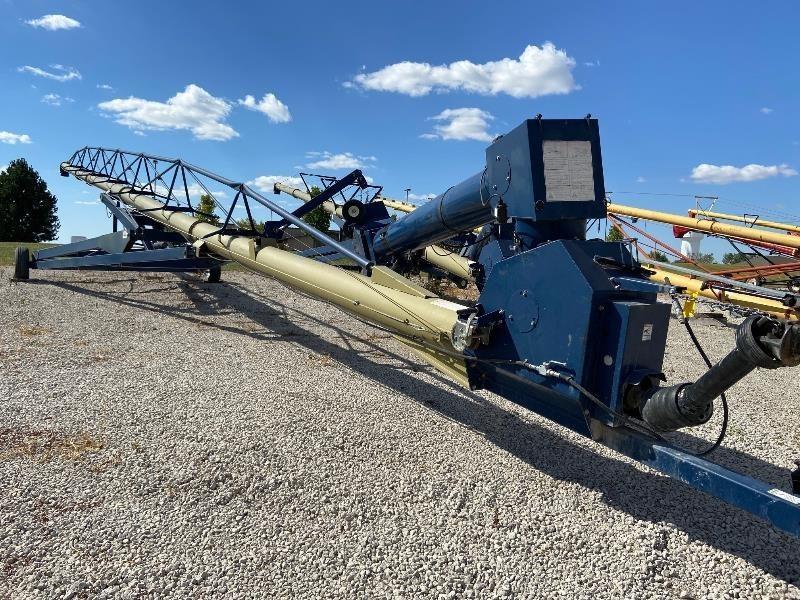 Harvest International H1392 Augers and Conveyor