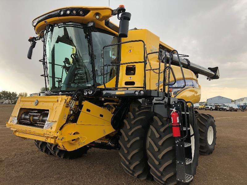 2018 New Holland CR980 Combine