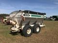 Willmar Super 600 Pull-Type Fertilizer Spreader