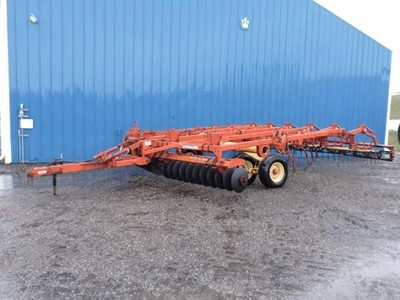 Krause 3100 Soil Finisher