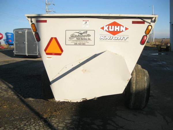 Kuhn Knight 8132 Manure Spreader