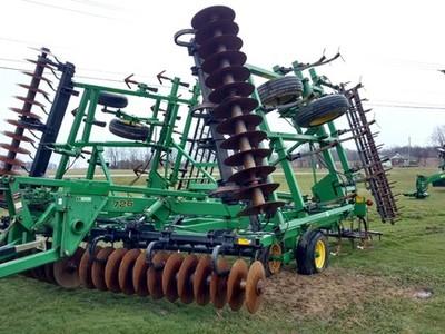 1997 John Deere 726 Soil Finisher