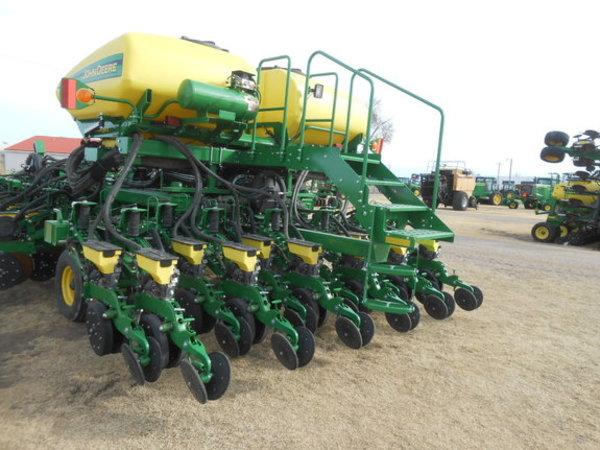 2015 John Deere Db40 Planter Garden City Ks Machinery Pete