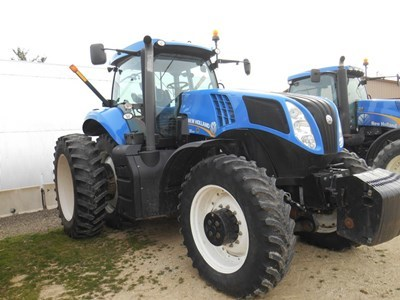 New Holland T8 300 Tractor