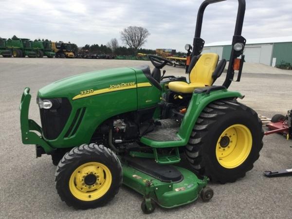 2005 John Deere 3320 Tractor