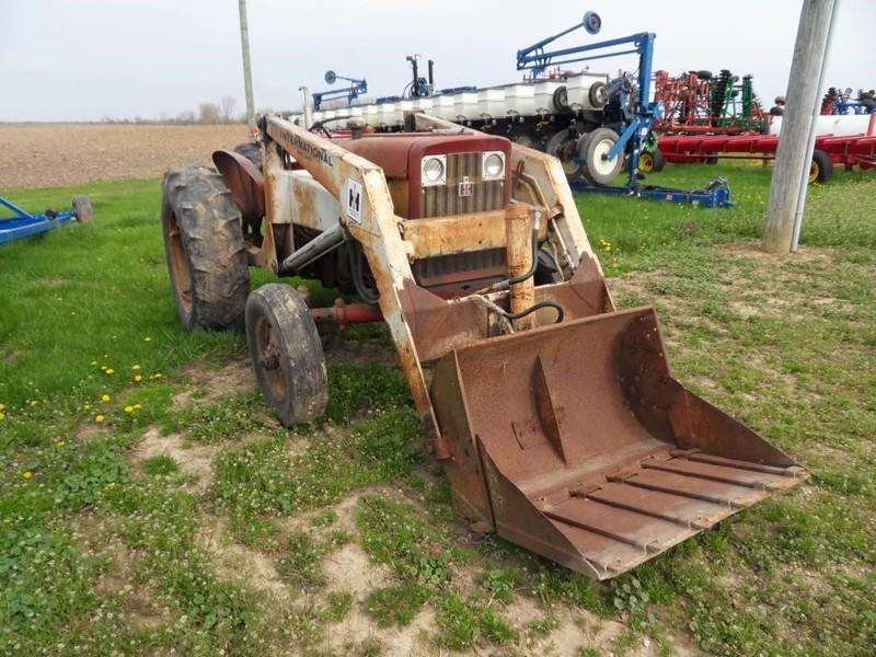 International Harvester 504 Tractor : International harvester tractor mechanicsburg oh