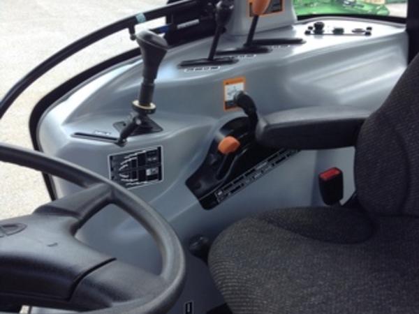 2014 Mahindra 7060 Tractor