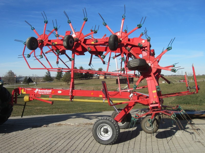 2012 Kverneland Taarup 85140C Tedder