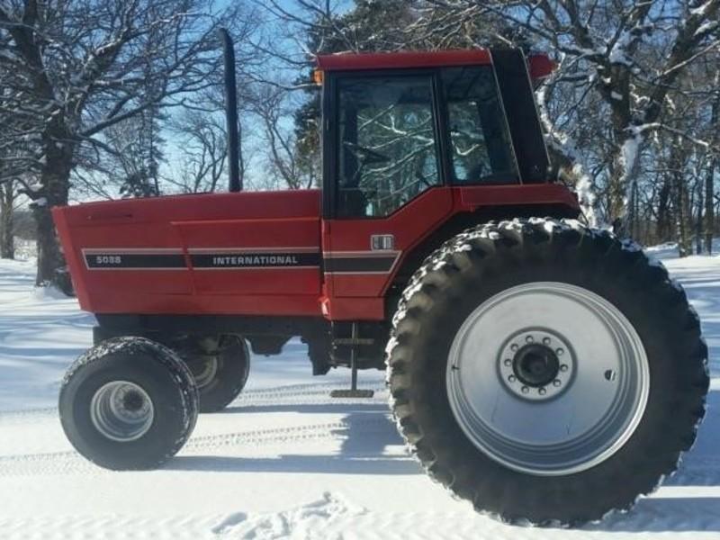 International Harvester 5088 : International harvester tractor glyndon mn