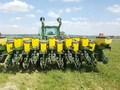 1995 John Deere 1780 Planter