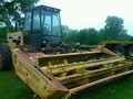 1984 New Holland 1116 Self-Propelled Windrowers and Swather