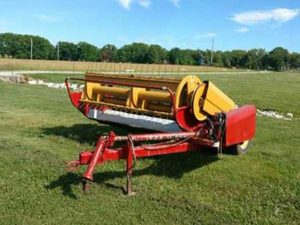 New Holland 467 Pull-Type Windrowers and Swather