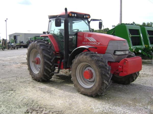 2006 McCormick XTX215 Tractor