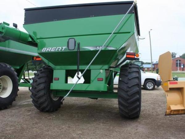 2015 Brent 576 Grain Cart