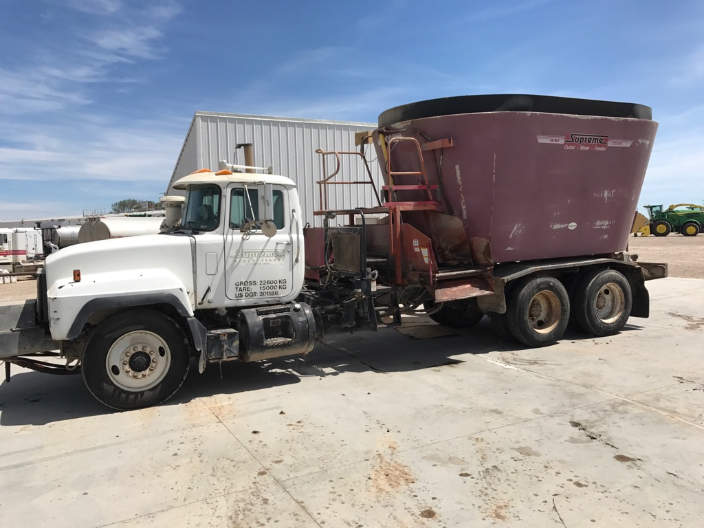 1999 Supreme International 900 Grinders and Mixer