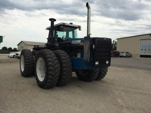 Ford 946 Tractor