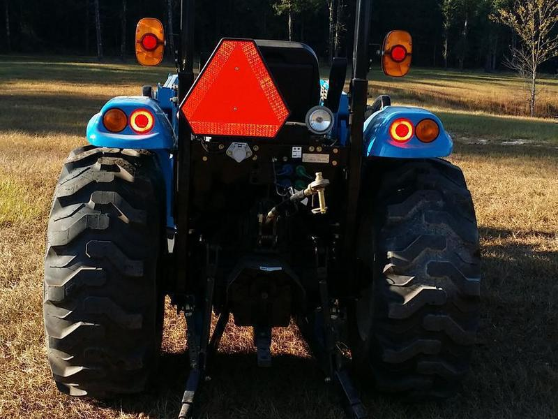 2015 LS XR3135H Tractor