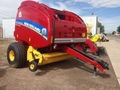 New Holland Roll-Belt 560 Round Baler