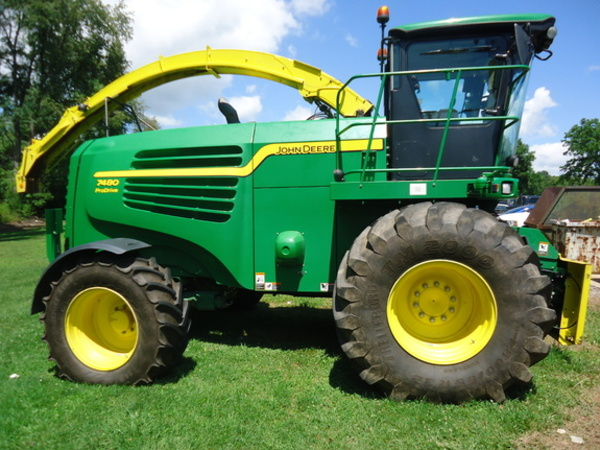 2014 John Deere 7480 Self-Propelled Forage Harvester