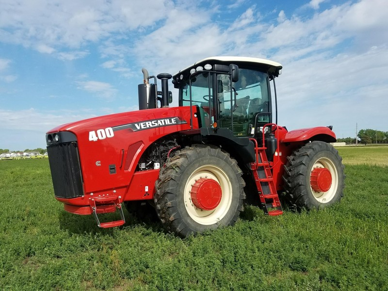 2015 Versatile 400 Tractor