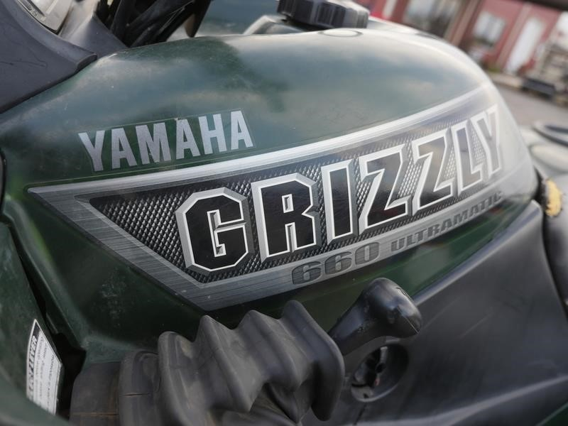 2002 Yamaha Grizzly 660 ATVs and Utility Vehicle