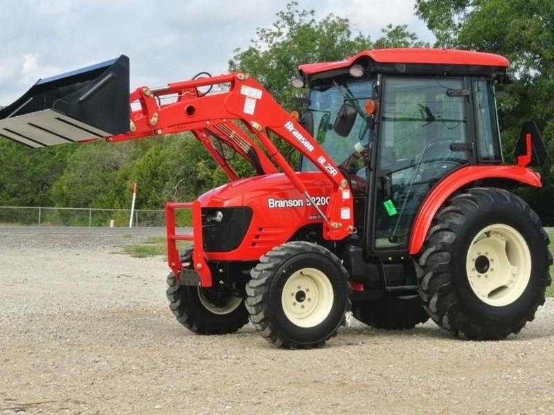 2017 Branson 5220C Tractor