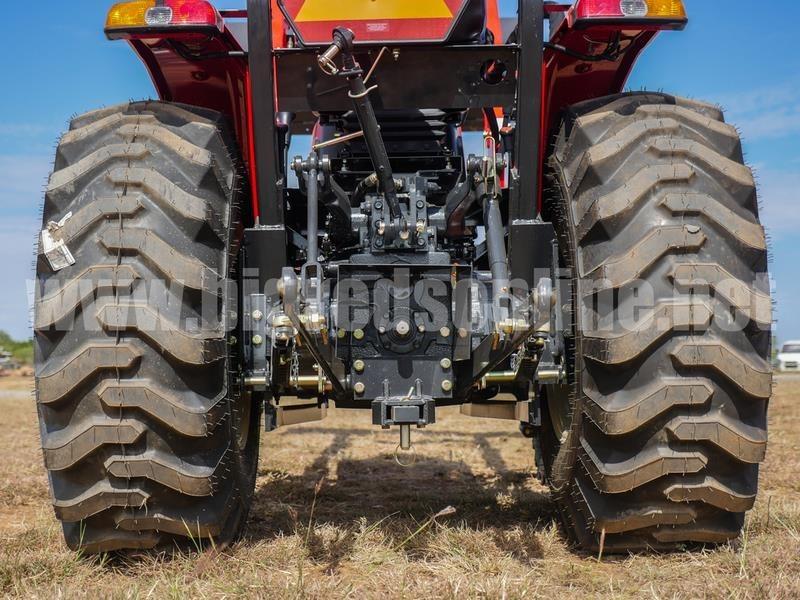 2017 Branson 4015R Tractor
