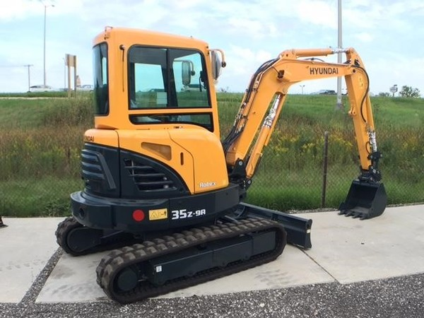 2016 Hyundai Robex 60CR-9A Excavators and Mini Excavator