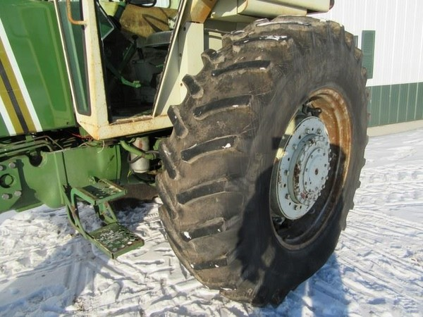 1973 Oliver G1355 Tractor