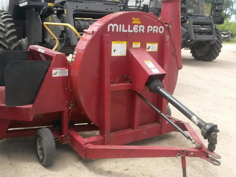 Miller Pro 1060 Forage Blower