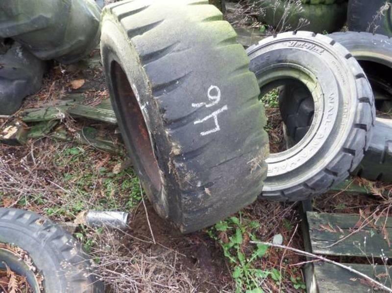 Caterpillar 10/16.5 Wheels / Tires / Track