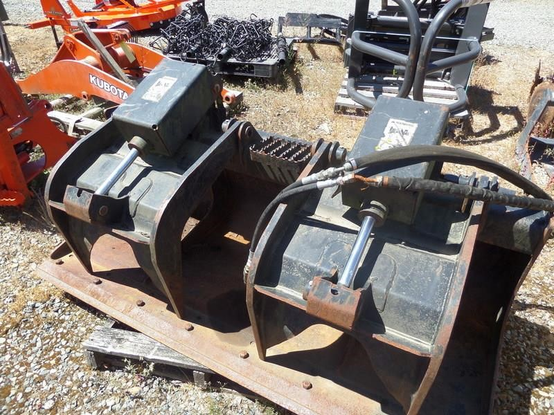 Caterpillar 1577224 Loader and Skid Steer Attachment