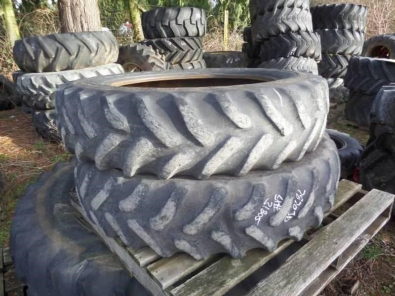 Goodyear 320/85R34 Wheels / Tires / Track