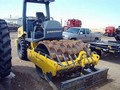 2003 Vibromax 605PD Compacting and Paving